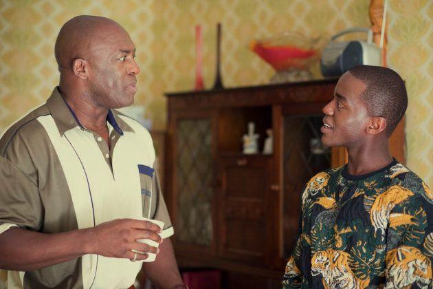 Ncuti avec DeObia Oparei, qui joue son père dans la