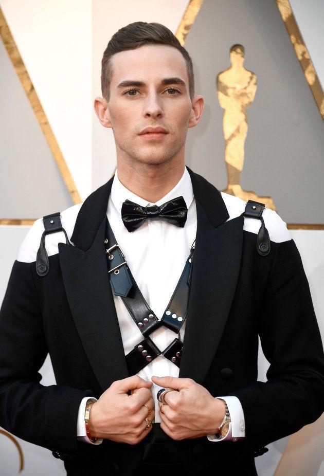 Oscars 2018: Adam Rippon, médaillé aux JO de Pyeongchang, en harnais de cuir sur le tapis
