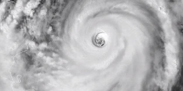 Le typhon Mangkhut s'approche des Philippines, il est bien plus menaçant que Florence aux