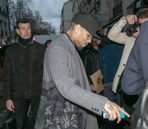 Chris Brown à Paris dans le cadre de la Fashion Week le 17 janvier dernier, soit quelques jours seulement...