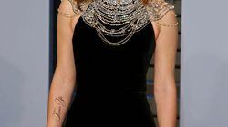 Emma Watson affiche un tatouage