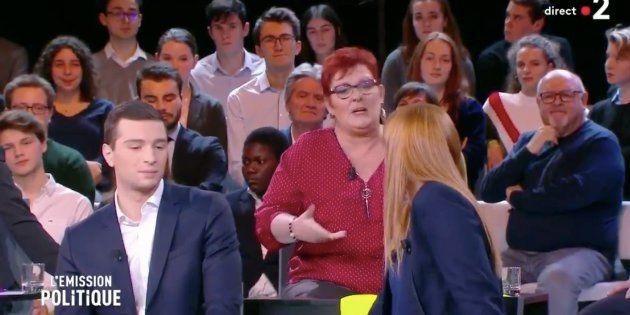Evelyne Liberal s'adressant à Ingrid Levavasseur sur le plateau de France