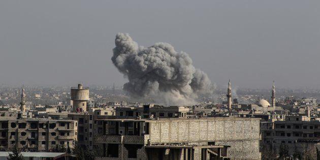 Dans la Ghouta orientale en Syrie, 18 cas de suffocation rapportés, l'utilisation d'armes chimiques