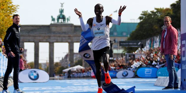 Marathon de Berlin: Eliud Kipchoge pulvérise le record du