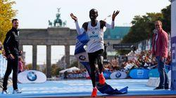 Au marathon de Berlin, le Kényan Eliud Kipchoge a pulvérisé le record du