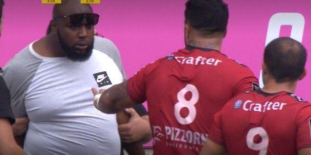 Le frère d'un joueur du Stade Français s'introduit sur la pelouse pour participer à une bagarre avec