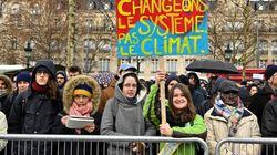 Outre les gilets jaunes et les foulards rouges, des milliers de marcheurs pour le climat partout en
