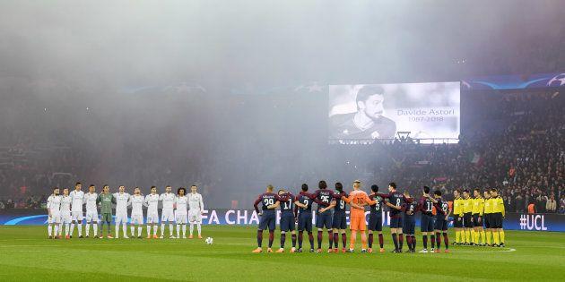 PSG-Real Madrid: la minute de silence pour Davide Astori transformée en applaudissements après des