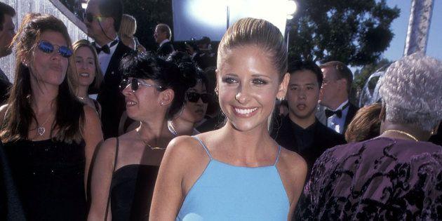 Sarah Michelle Gellar a mis la même robe qu'elle portait aux Emmys il y a 19