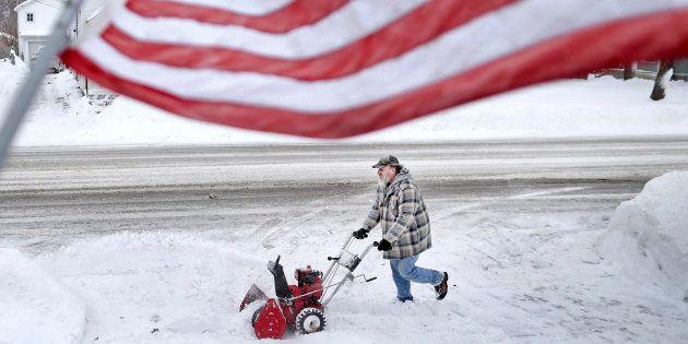 L'État d'urgence a été déclaré dans certains parties du Minnesota, lundi 28 janvier, après des chutes...