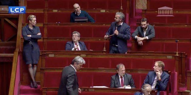 Alexis Corbiere dans l'Hémicycle pendant les débats sur la loi