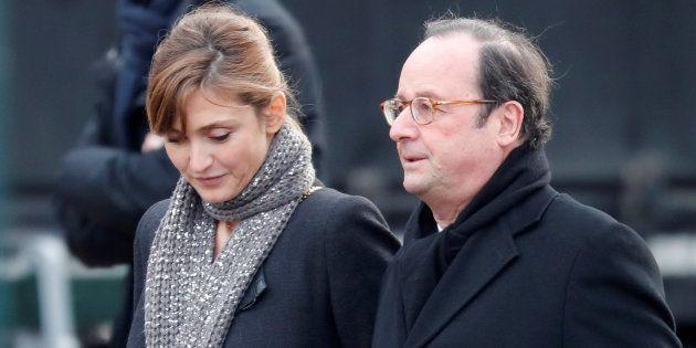 Julie Gayet et François Hollande (ici aux obsèques de Johnny Hallyday) n'ont pas voulu officialiser leur...