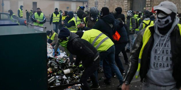 Photographie prise lors de la manifestation des gilets jaunes à Bourges le 12 janvier