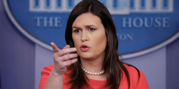Sarah Sanders lors du briefing presse à la Maison Blanche lundi 28