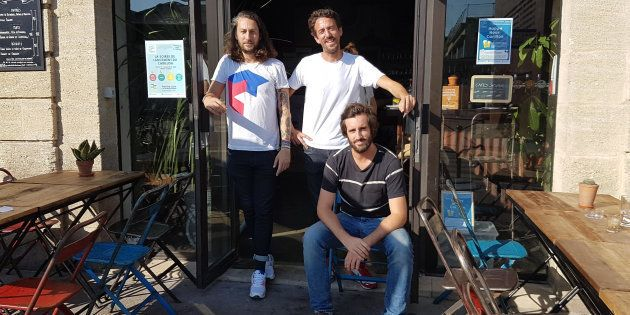 Christian Delachet, Luc Jaubert et Jérémie Ballarin dans leur premier lieu solidaire, le café Wanted,...