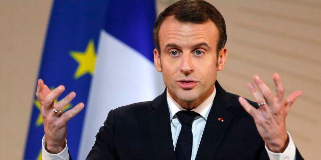 Macron ironise