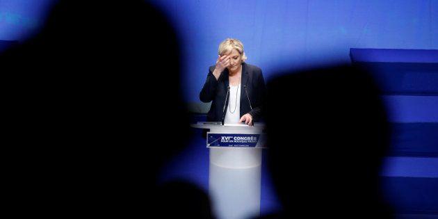 Marine Le Pen au congrès du FN à Lille dimanche 11