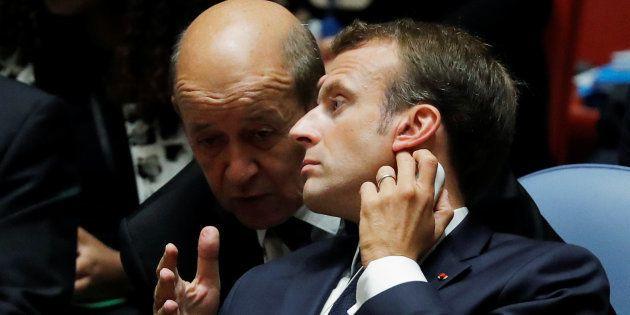Des ministres influents comme Jean-Yves Le Drian affichent leur refus de lancer un référendum le jour...