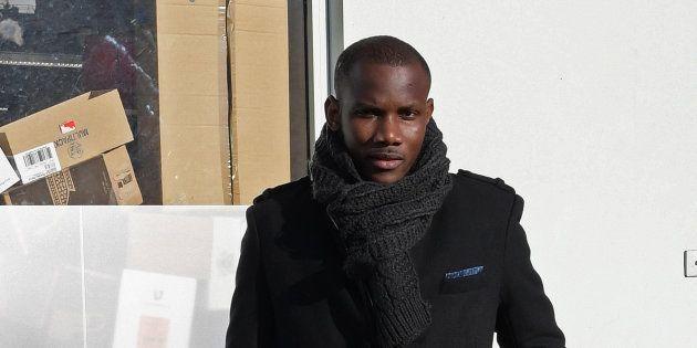Lassana Bathily, ici en 2017 devant l'Hyper Cacher de Paris, soutient la liste du communiste Ian Brossat...