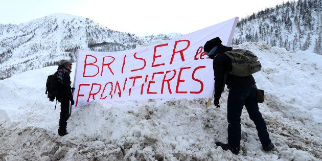 Des manifestants réclamant l'ouverture de la frontière au Montgenèvre, là où Benoît Ducos est venu en...