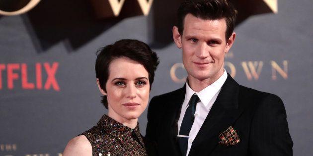 Claire Foy alias Elizabeth II, a été moins payée que son homologue masculin, Matt Smith, alias le Prince...