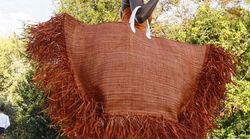 Après la tendance des très grands chapeaux, voici celle des gigantesques sacs à