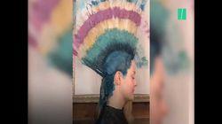 Cette coiffeuse a une technique bien à elle pour teindre les cheveux de ses