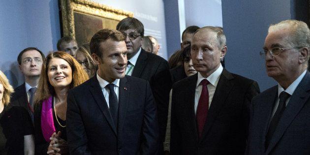 Macron et Poutine au Grand Trianon en mai 2017. En 2018, le Salon du Livre invite la Russie. REUTERS/Etienne