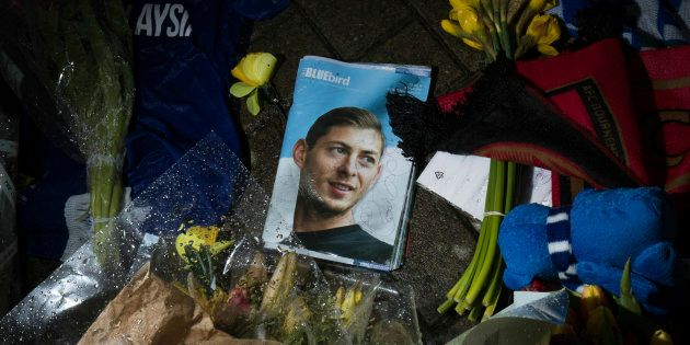 Une photo en hommage à Emiliano Sala au stade de