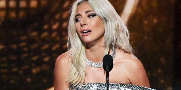 L'émotion de Lady Gaga après son Grammy Award remporté