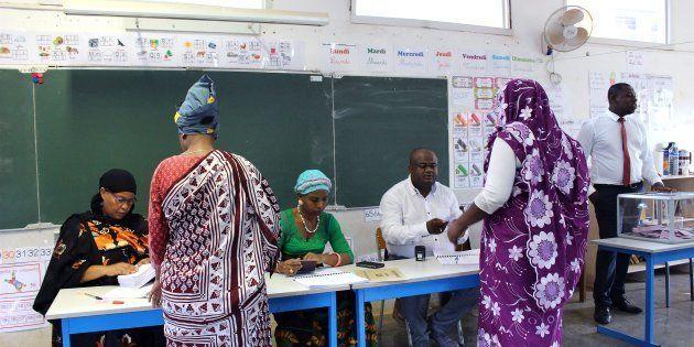 Législatives partielles à Mayotte: L'ex-candidate de La République en Marche devance Les Républicains...