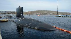 Le périscope de ce sous-marin américain se contrôle avec une manette de