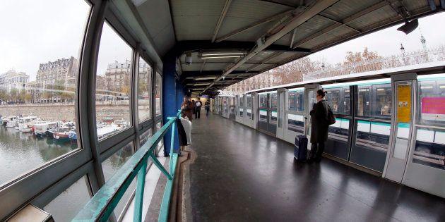 C'est à la station Bastille, sur la ligne 1 du métro de Paris que l'attaque s'est produite. La victime...