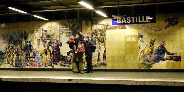 Un homme a été transféré à l'infirmerie psychiatrique de la préfecture de police de Paris après une agression...