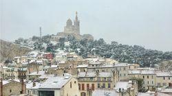 Les Marseillais débutent le printemps sous la neige et leurs images sont