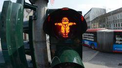 Des feux piétons à l'effigie de Karl Marx pour ses 200 ans dans sa ville natale en Allemagne,