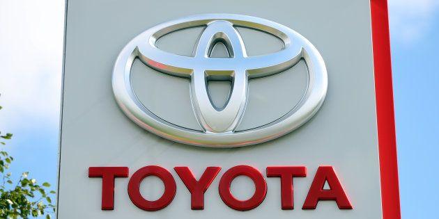 Après l'accident mortel d'un Uber, Toyota arrête ses tests de voitures
