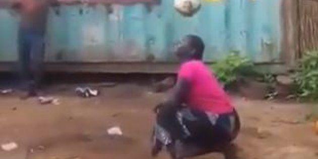 La vidéo de cette femme qui montre son talent avec un ballon rond est devenue virale en quelques