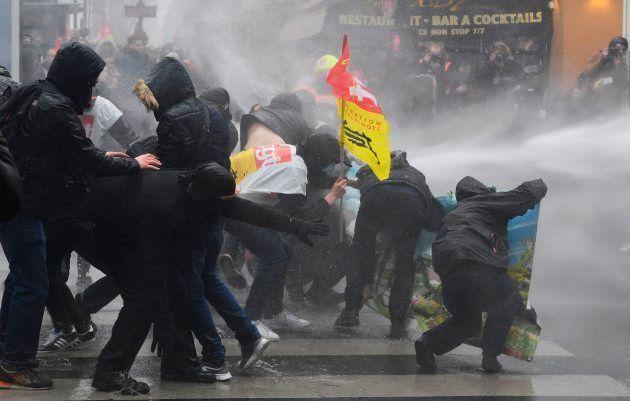 Manifestations: 65.000 manifestants à Paris selon la CGT, 49.000 selon la police et 48.000 selon les