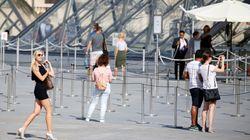 Le tourisme à Paris efface les traces des attentats et signe un