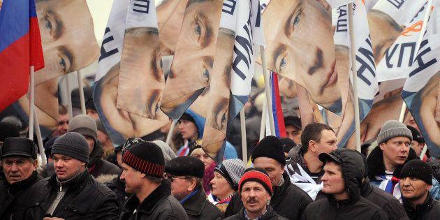 Agir comme un tsar, la tactique de Poutine pour séduire les Russes et garder le