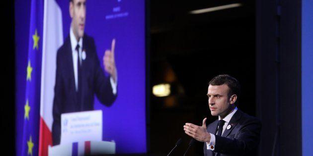 Dîner du Crif: Macron promet une loi contre la haine sur internet dès le mois de mai (photo prise le...