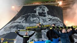 Le FC Nantes écope d'une lourde amende pour usage de fumigènes... pendant les hommages à