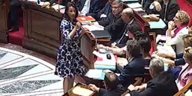 Le 17 juillet 2012 à l'Assemblée nationale, j'ai été huée dans l'hémicycle à cause de la robe que je