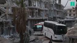 Les images des évacuations de combattants et civils de la Ghouta