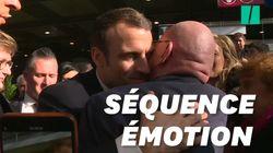 Un retraité fond en larmes dans les bras de Macron au Salon de