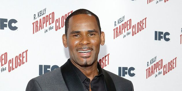 Accusé d'abus sexuels, R. Kelly voit sa caution fixée à 1 million de dollars (Photo prise en novembre