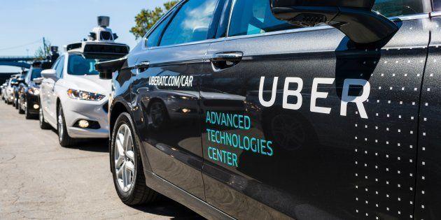 Les voitures autonomes d'Uber lâchées et critiqué par