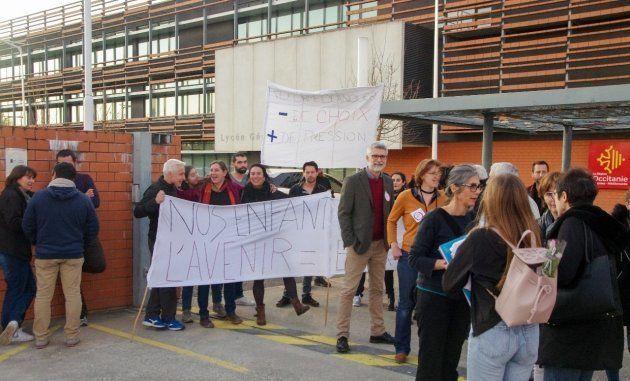 Manifestation des professeurs du lycée Clémence Royer de Fonsorbes (31) contre les réformes du bac et...