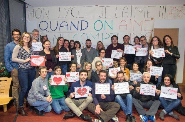 Les professeurs du lycée Clémence Royer de Fonsorbes occupant les locaux, la nuit du
